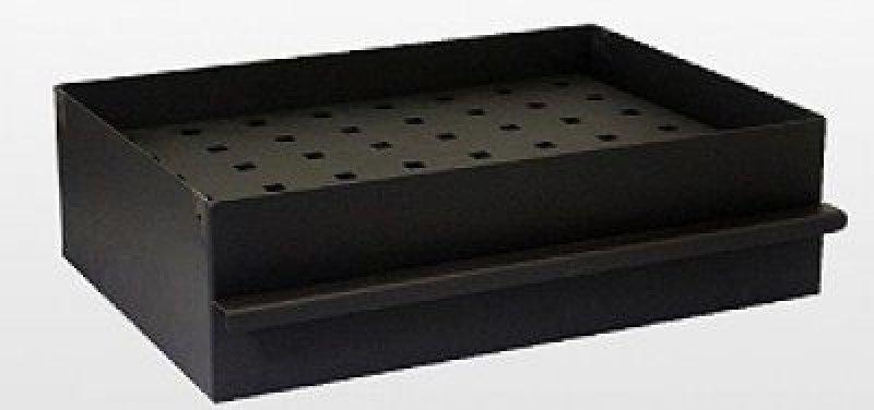 Kohlewanne mit Aschekasten und Grillrosthalterungen
