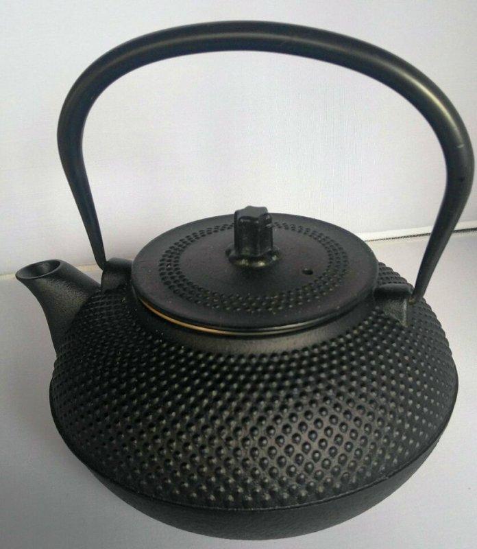 Teekanne mit Sieb aus Gusseisen 1.5 L